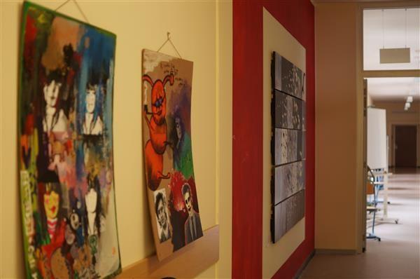 Kunst im Schulhaus (III)