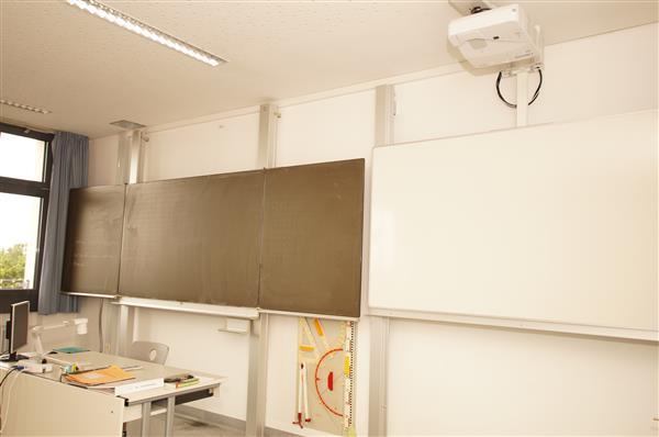 Klassenzimmer (V)